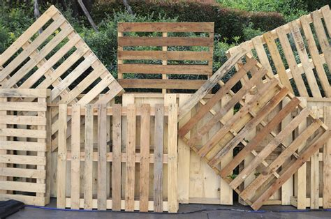 pallet woodworking guide to upcycling wooden pallets everyday inspiration