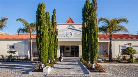 entrada clubhouse club house em 211 bidos pre 231 os menu morada e avalia 231 245 es