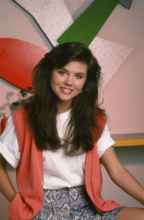 hairstyles of the early 90s all the times tiffani thiessen was so 90s