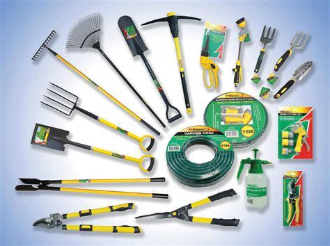 garden tools  arrangement enhancedhomesorg