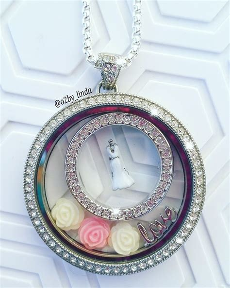 Origami Owl Wedding Locket - a wedding coming up how beautiful is this locket