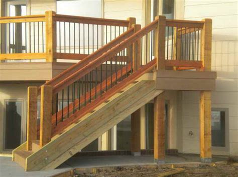 Building A Banister On A Staircase Building Deck Stairs Railing
