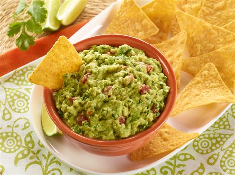 Fresh Guacamole & Organic Tortilla Chips - Full Circle Market Guacamole And Tortilla Chips Healthy