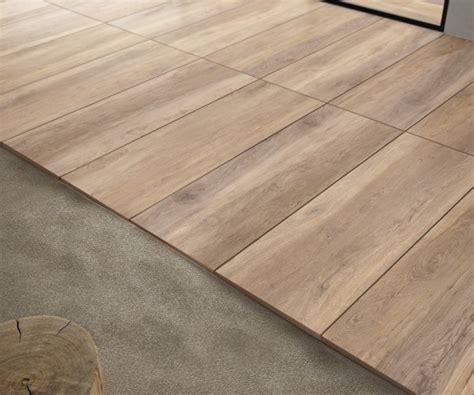 fliesen holzoptik kaufen terrassenplatten holzoptik kastanie gro 223 format 40x120x2cm