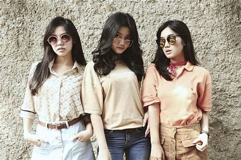 film vir china tahun 90an intip 6 inspirasi fashion 90an ala cast cewek di film