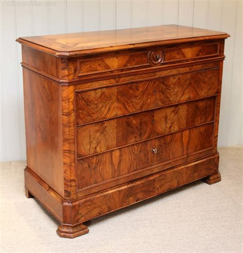 commode atlas walnut chest of drawers commode antiques atlas
