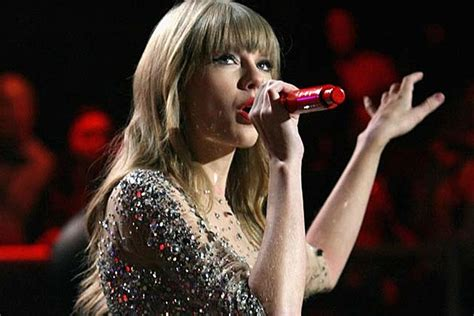taylor swift country chart history taylor swift makes country chart history with we are