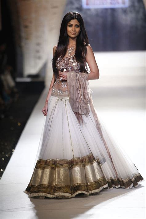 Shilpa Shetty as showstopper for Tarun Tahiliani Show