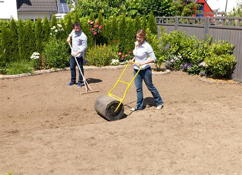 Wie Verlege Ich Rollrasen 2376 by Rollrasen Verlegen Rasenpflege Selbst De