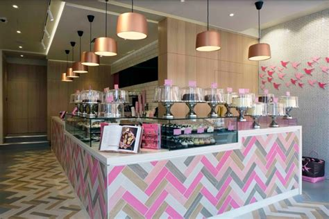 the hummingbird bakery s seventh uk branch by rpa group
