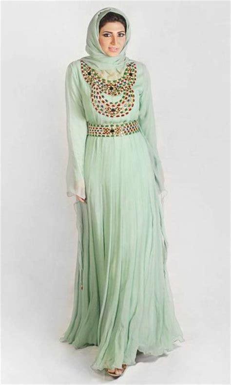 Kaftan Blue Mewah 9 model baju gamis modern untuk muslimah modis