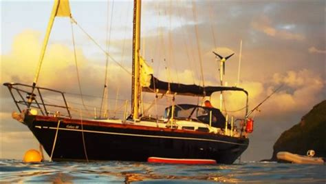 airbnb boats in sydney 6 incredible airbnb boats that are in australia oversixty