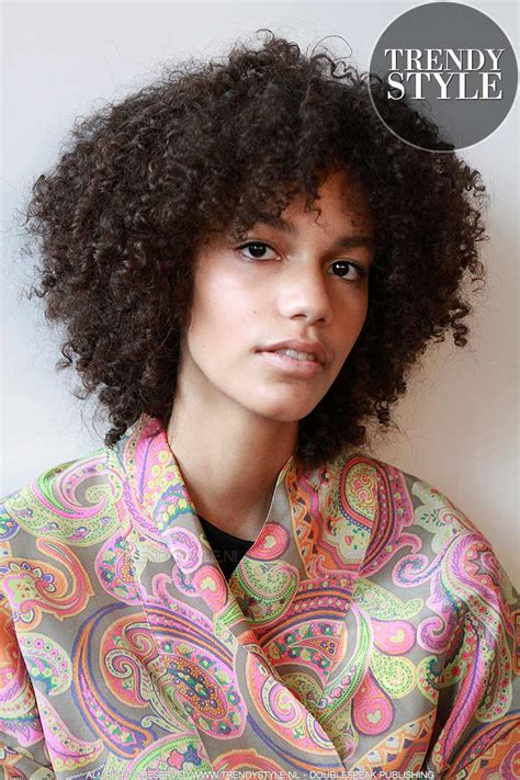 haar trends haar trends 2018 het coolste haar styling product water