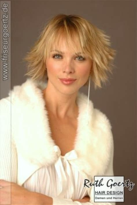neckline photo of women wth shrt hair short neckline hugging hairstyle that makes you look years