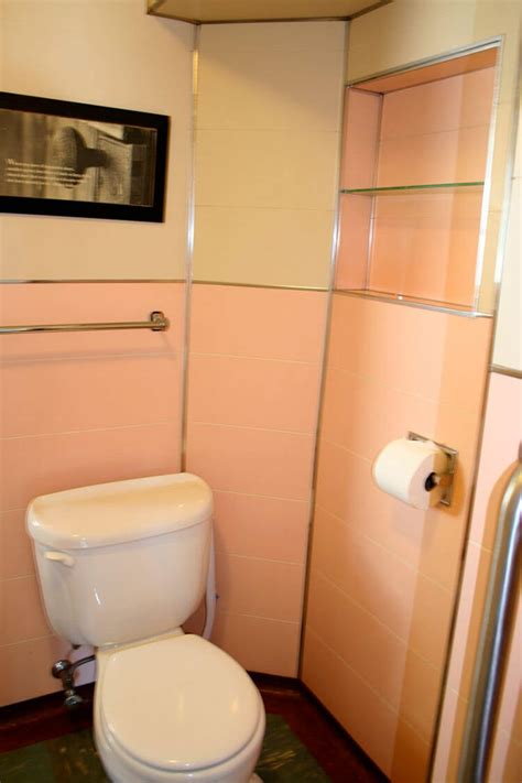 noelles  bathroom  pink panel walls retro
