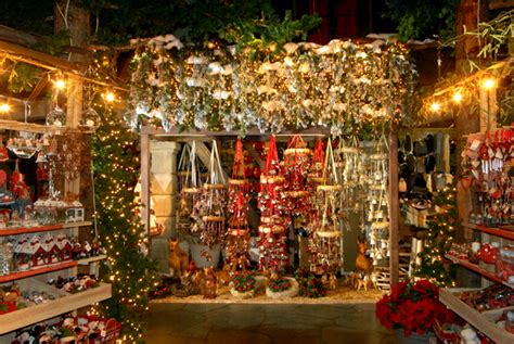 casa di babbo natale bussolengo villaggio natalizio di bussolengo i mercatini