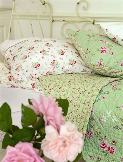 vintage looking green bedding from greengate country