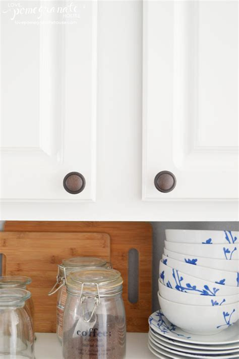 Where To Put Knobs On Cabinet Doors How To Install Cabinet Door Knobs Pomegranate House