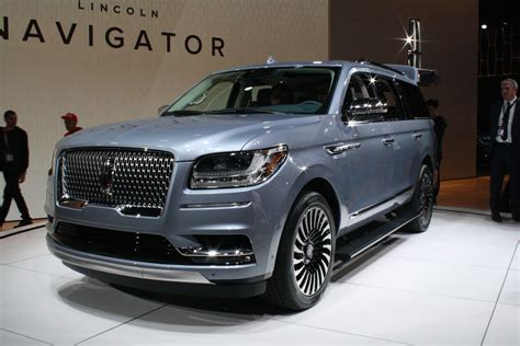 best large suv 2018 lincoln navigator redefines large luxury suvs