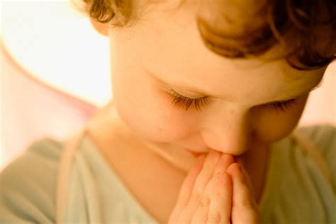 imagenes de bebe orando evangelize nossas crian 231 as ensinando a crian 231 a a orar