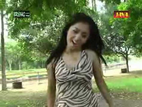 download mp3 via vallen sayang versi bahasa indonesia full download video musik lagu jawa