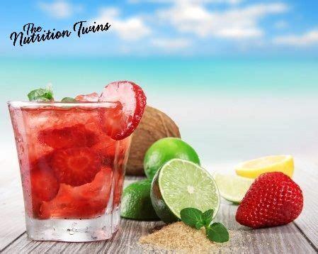 Sweet Slimming Detox Strawberries Mint Lime Tea by Slimming Strawberrry Mint Detox Spritzer Recipe