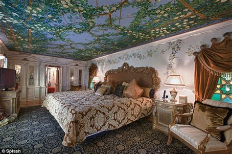 Home Designer Suite by Gianni Versace S Miami Mansion Reopens As Luxury Hotel
