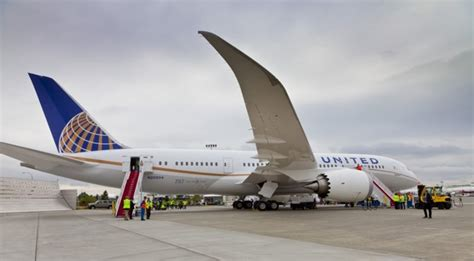 united airlines service united airlines cheap international flights business class more webjet