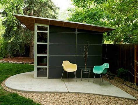 backyard shed office de 25 bedste id 233 er inden for modern shed p 229 pinterest