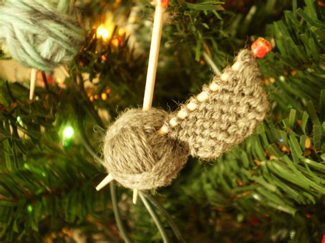 knitted christmas decorations knitters handmade ornaments allfreeknitting