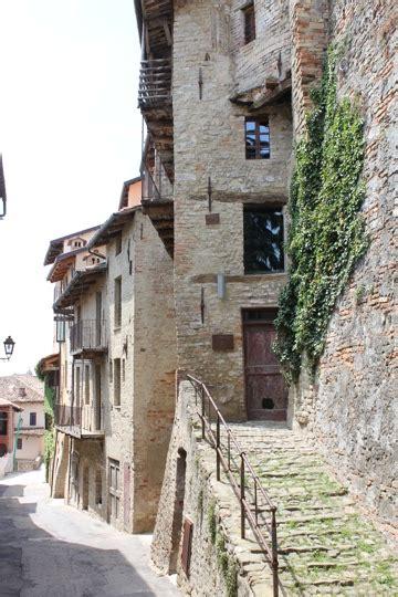 casa delle saracche imagine living in monforte d alba a taste of travel