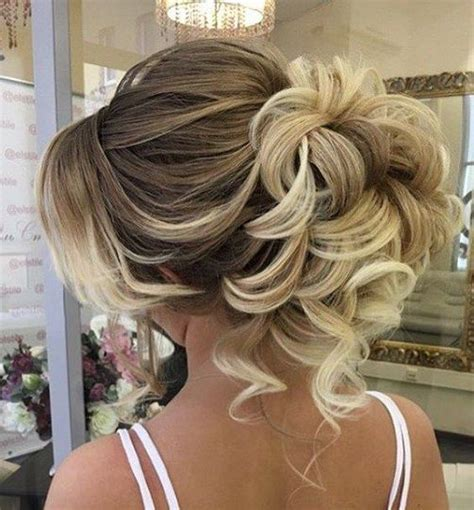 Hairstyles Updos For Curly Hair by Best Curly Hair Updos Wedding Photos Styles Ideas 2018