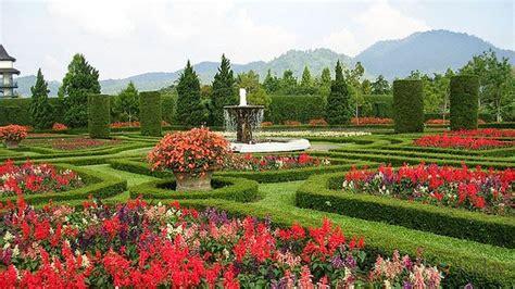 wallpaper bunga di taman 12 tempat wisata daerah jawa barat yang perlu dikunjungi