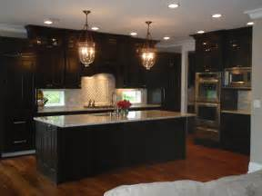 Matching your wood floor with your kitchen cabinets kitchen design