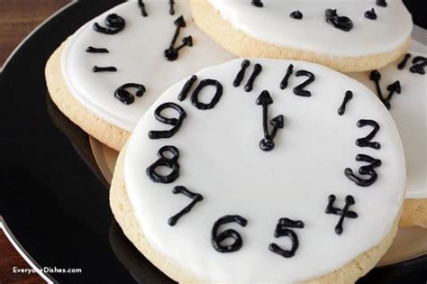 new year 2015 cookies recipe new year s sugar cookie clocks everyday dishes diy