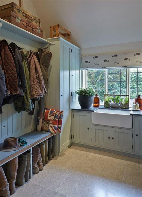 Interior Design Wiltshire by 17 Best Ideas About Locker Room Shower On