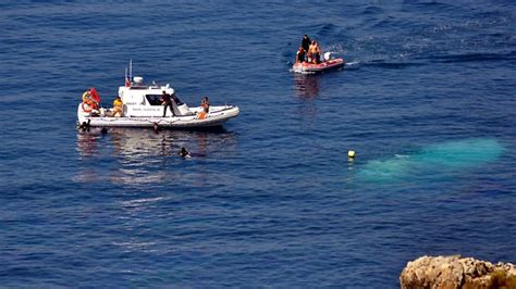 refugee boat stories refugees drown just 50m from shore the australian