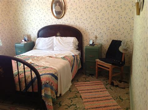 1940s Home Decor Style Master Bedroom In The Conductor S House At The Railway Museum Gorgeous 1940 S Style Research