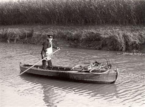 delivering  mail  boat intheboatshednet