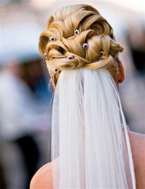 Hochzeitsfrisur Offen Mit Schleier by Brautfrisuren Mit Schleier Hochgesteckt
