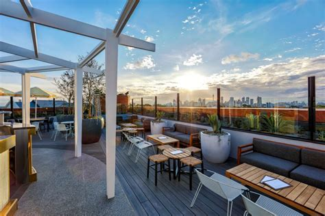 Roof Top Bars In Sydney by Bar And Pub Reviews Sydney Bars And Pubs Time Out