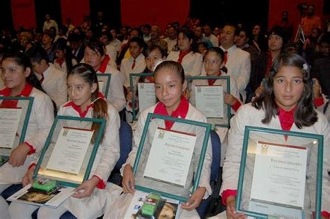 ganadores de olimpiada del conocimiento en las choapas veracruz premian a los 31 alumnos ganadores de la olimpiada del