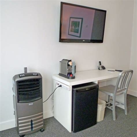Small Desk Refrigerator Wj Tested The Burrard Hotel Review Best Value Vancouver Hotel Wavejourney
