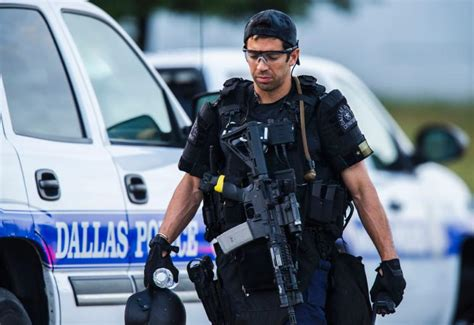 cop shoots dallas shooting five officers killed seven wounded by gunmen nigeria