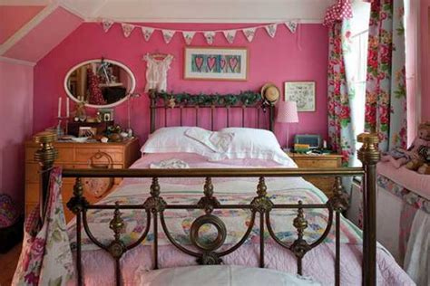 Vintage Home Decor Ideas Creative Interior Decorating In Vintage Style Bringing Bold Colors Into Room Decor