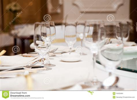 elegant dinner settings elegant dinner table setting stock images image 16433484