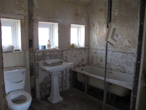 open plan bathrooms building work week 3 steels and an open plan bathroom sundaes on saturdays