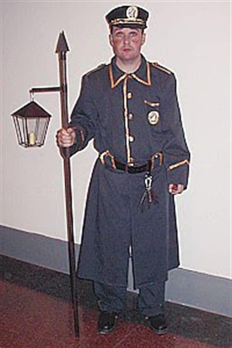 sereno epoca colonial nios historia de la policia nacional los serenos 2