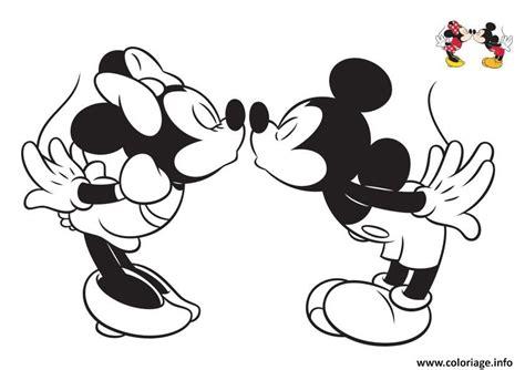 Coloriage Disney Bisou Mickey Et Minnie4 Dessin Coloriage Walt Disney A Imprimer Gratuitement L