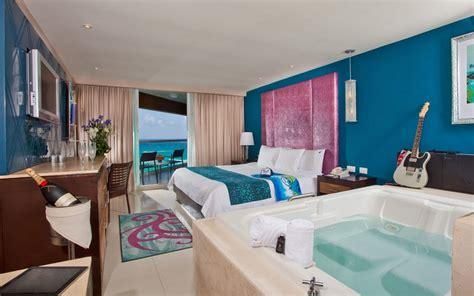 Black Master Hardrock rock hotel cancun review mexico travel